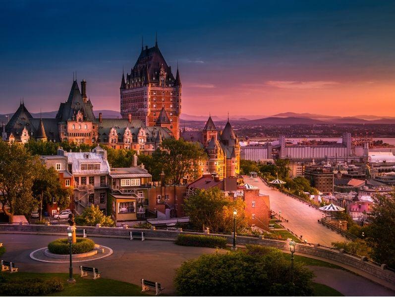 Canadá con Ballenas y Montreal