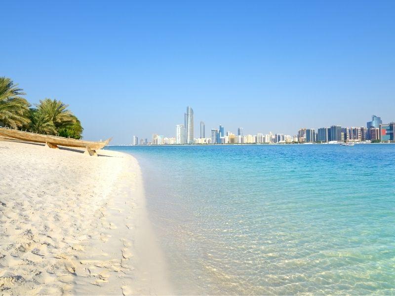 Abu Dhabi y Maldivas