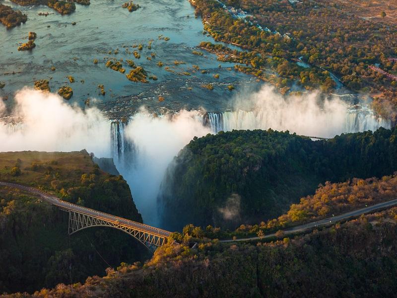 Cataratas y Parques de Botsuana